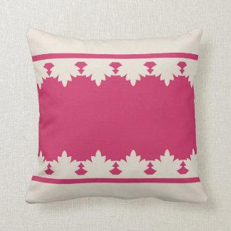 Cushion Laura 24 Throw Pillows