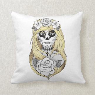 Cushion Santa Muerte blonde