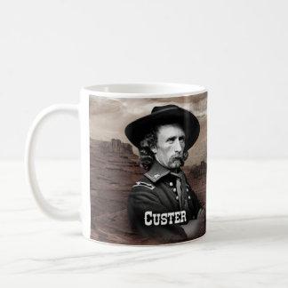 Custer histórico taza básica blanca