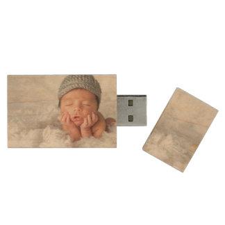 Custom Newborn Photo USB Flash Drive Wood USB 2.0 Flash Drive