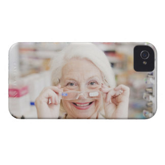 Customer trying in prescription eyeglasses in Case-Mate iPhone 4 case