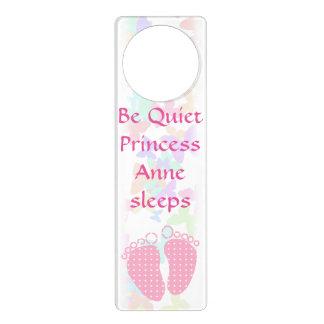 Customizable baby sleeping feet door hanger
