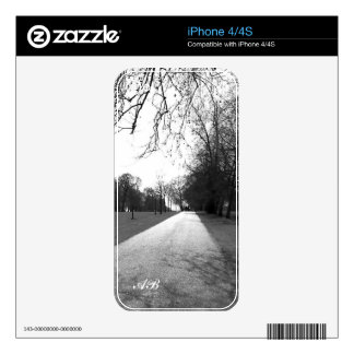 Customizable: Hyde Park Skin For The iPhone 4