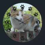 """Customizable pet wall clock<br><div class=""""desc"""">Immortalize your pet with this wall clock.</div>"""
