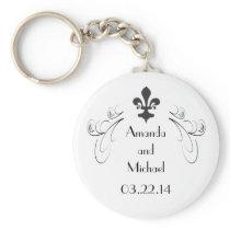 Customized Decorative Fleur de Lis Wedding Keychain