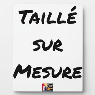 CUT Custom-tailored - Word games - François City Plaque