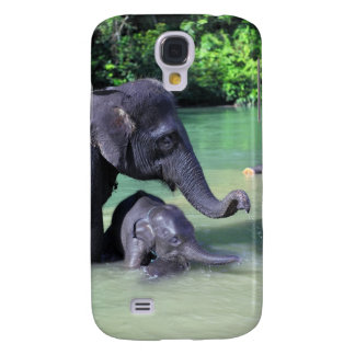 Cute baby elephant bathing in river with mother samsung galaxy s4 cover