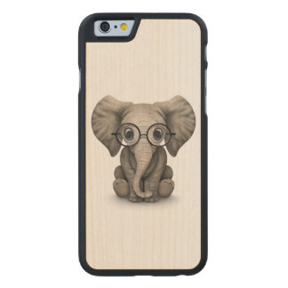 Cute Baby Elephant with Reading Glasses White Carved® Maple iPhone 6 Case