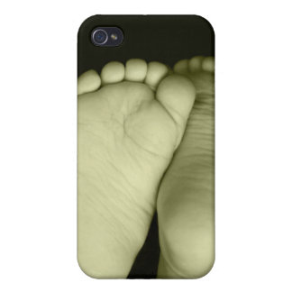 Cute Baby Feet Unisex Yellow Baby iPhone 4/4S Cover