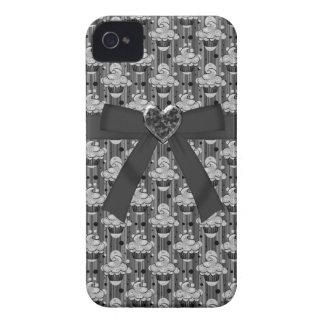 Cute Black Cupcakes, Bow & Jewel Heart iPhone 4 iPhone 4 Case