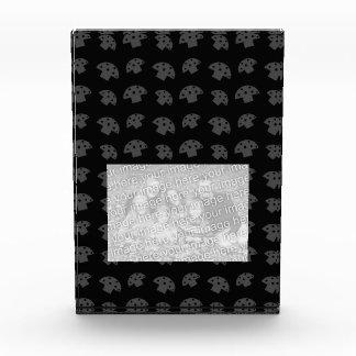 Cute black mushroom pattern award