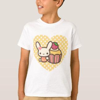 Cute bunny cupcake strawberry pink kawaii T-Shirt