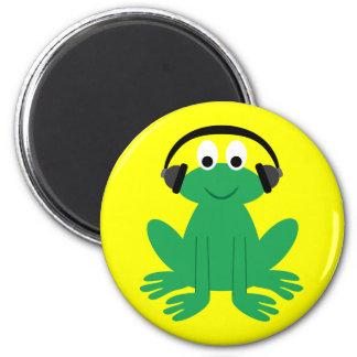 Cute cartoon frog with headphones magnet