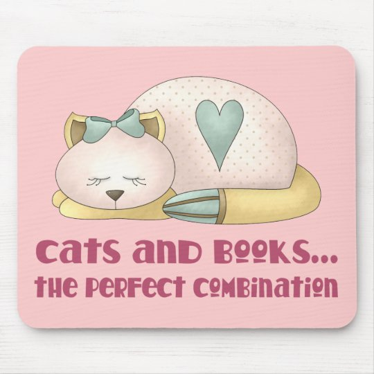 Cute Cats and Books T-shirt Mouse Pad