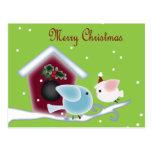 Cute Christmas mistletoe Kissing birds Post Card