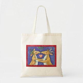 Cute Christmas Reindeer, Romantic Kiss w Mistletoe Tote Bag