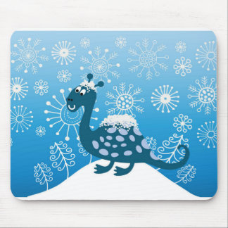 Cute Dinosaur Playing in the Snow! Mouse Pad