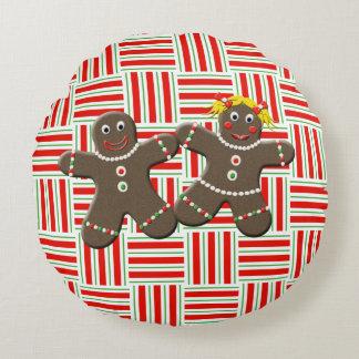 Cute Gingerbread Couple Girl Boy Christmas Festive Round Pillow