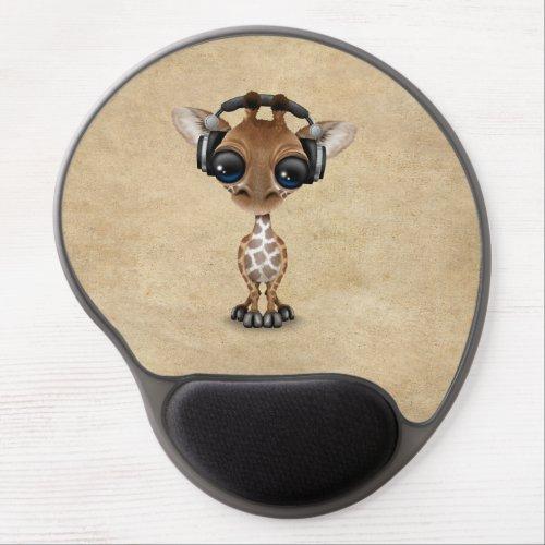 Cute Giraffe Cub Dj Wearing Headphones Gel Mouse Pad