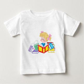 cute girl reading baby T-Shirt