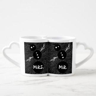 Cute Goth Cartoon Snowman Winter Mr. And Mrs. Mugs Couples Mug