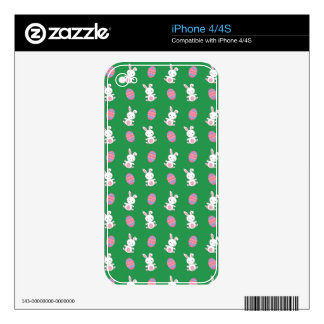 Cute green baby bunny easter pattern skin for the iPhone 4