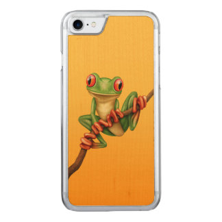 Cute Green Tree Frog on a Branch on Yellow Carved iPhone 8/7 Case