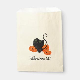 Cute Halloween cat with pumpkins Favor Bag