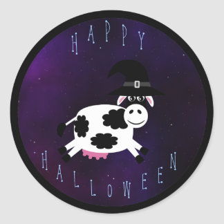 Cute Happy Halloween Cow with Witches Hat Classic Round Sticker