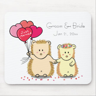 Cute hedgehog couple with balloons, just married mousepads