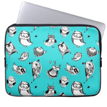 Cute hipster sketchy owls pattern laptop sleeve