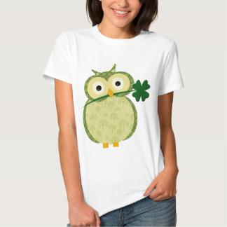 Cute Irish owl with Shamrock t-shirt