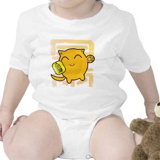 cute Japanese lucky cat - gold Tee Shirts