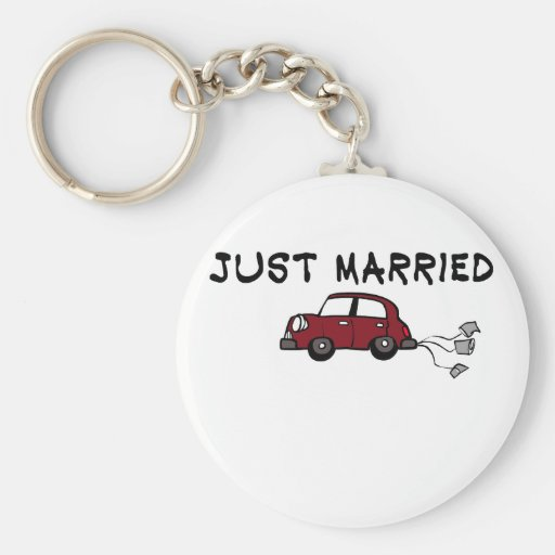 """Cute, """"Just Married"""" design Keychain"""