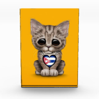 Cute Kitten Cat with Cuban Flag Heart yellow Award