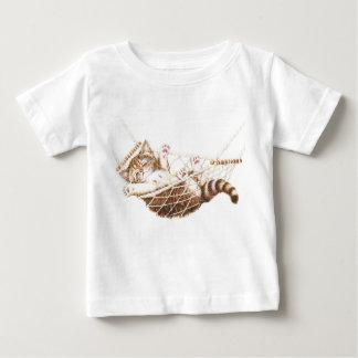 Cute kitten in hammock infant t-shirt