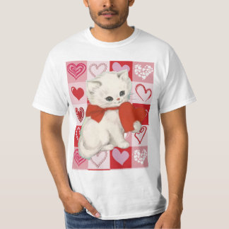 Cute kitten on a Red pink love hearts pattern Tshirts
