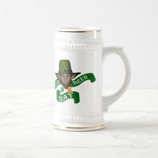 Cute leprechaun St Patrick's day 18 Oz Beer Stein