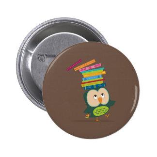 Cute little book owl pin redondo de 2 pulgadas