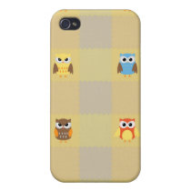 Cute Little Owls on Tan and Yellow Background iPhone 4/4S Cover