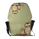 Cute Mom and baby owl Commuter Bags