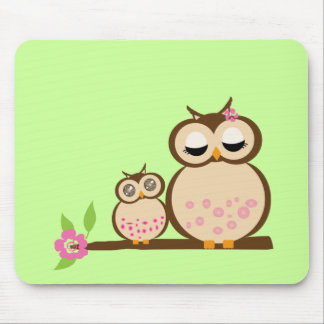Cute mom and baby owl mouse pad