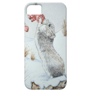 Cute mouse and red berries snow scene wildlife iPhone SE/5/5s case