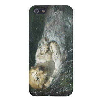 Cute Otter Design for Animal-lovers iPhone SE/5/5s Cover