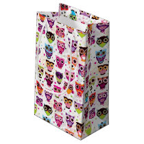 Cute owl background pattern for kids small gift bag