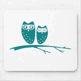 Cute owl couple with hearts mouse pad