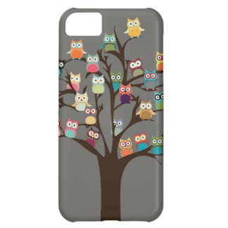 Cute Owl On Tree | Background iPhone 5C Cover