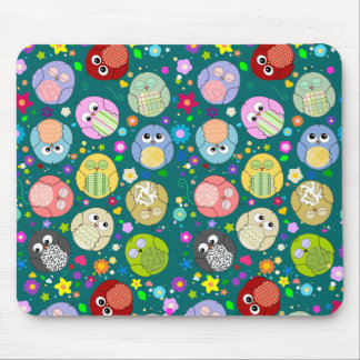Cute Owls and Flowers pattern mousepad - Green