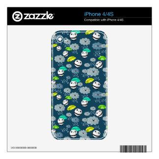 Cute Panda Bears Pattern iPhone 4S Skins