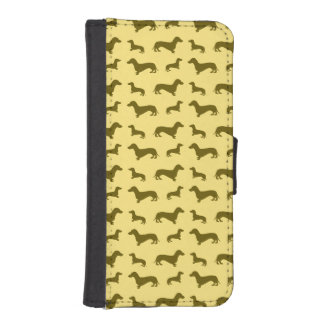 Cute pastel yellow dachshund pattern iPhone SE/5/5s wallet
